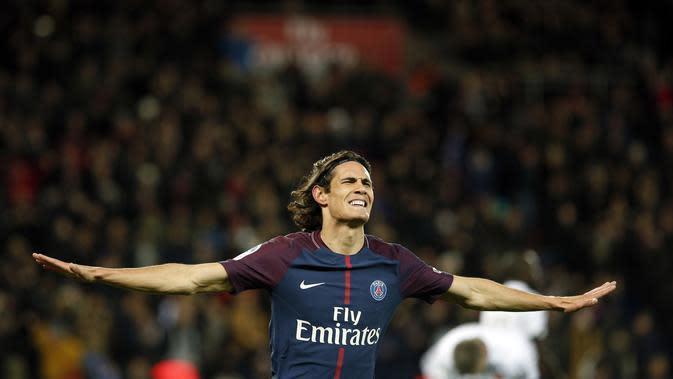 Edinson Cavani menyamai rekor Zlatan Ibrahimovic di Paris Saint-Germain. (AP Photo/Thibault Camus)