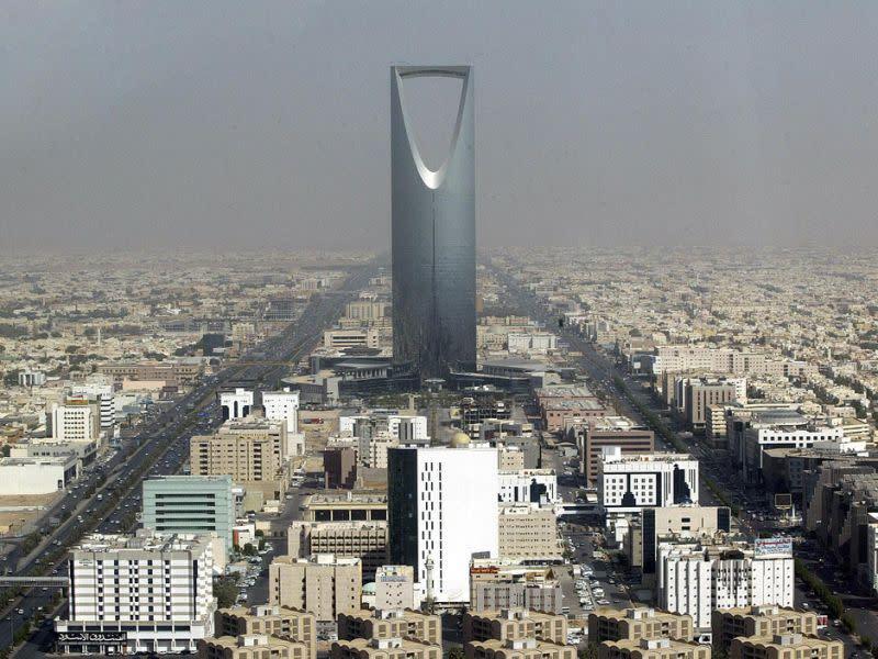 Arab Saudi hentikan penerbangan ke Uni Eropa di tengah kekhawatiran corona
