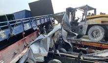 國3寶山交流道多車追撞回堵9公里 轎車卡貨車底擠壓變形1女不治