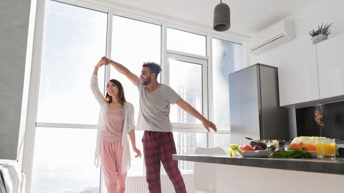 Apartemen menjadi solusi yang pas bagi mereka. Di samping praktis, apartemen juga menjadi hunian yang terjangkau.