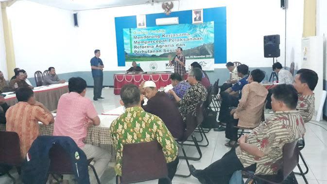 Dialog Publik Reforma Agraria dan Perhutanan Sosial, di Majenang, Cilacap, Jawa Tengah, Selasa (5/11/2019). (Liputan6.com/Muhamad Ridlo)