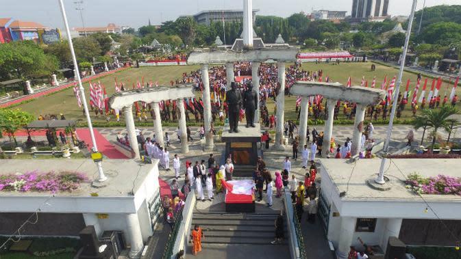 Tugu Pahlawan Merah Putih di Surabaya, Jawa Timur. (Foto: Dok Humas Pemkot Surabaya)
