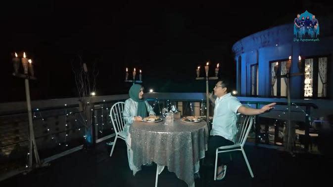 Momen perayaan ulang tahun pernikahan Anang Hermansyah dan Ashanty yang ke-8. (Sumber: YouTube The Hermansyah)