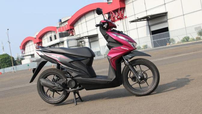 All-new Honda BeAT tetap mempertahankan identitas desain bergaya ramping dan dinamis pada setiap sisi bodi. (Liputan6.com)