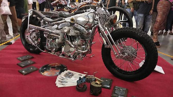 Harley-Davidson bergaya Bobber garapan Kedux Garage sabet gelar Best Kustom Bike Show Kustomfest 2019. (Septian / Liputan6.com)