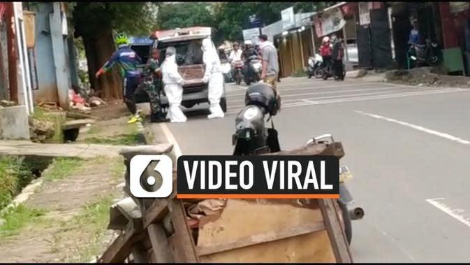 VIDEO: Viral, Pemakaman Gunakan Pakaian Khusus di Banten