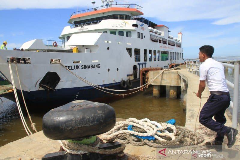 Pelayaran lintas Meulaboh-Simeulue Aceh dibatalkan karena cuaca buruk