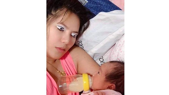 6 Kelakuan Kocak Ibu-Ibu Terlalu Santai Asuh Anak Ini Bikin Geregetan (sumber: Instagram.com/sukijan.id)