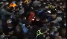 上海現本土新冠肺炎 所有人員接受檢測現場一團混亂