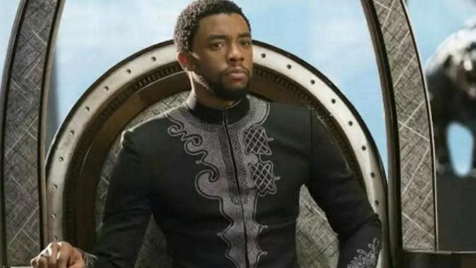 Busana Black Panther. (Bukalapak.com)