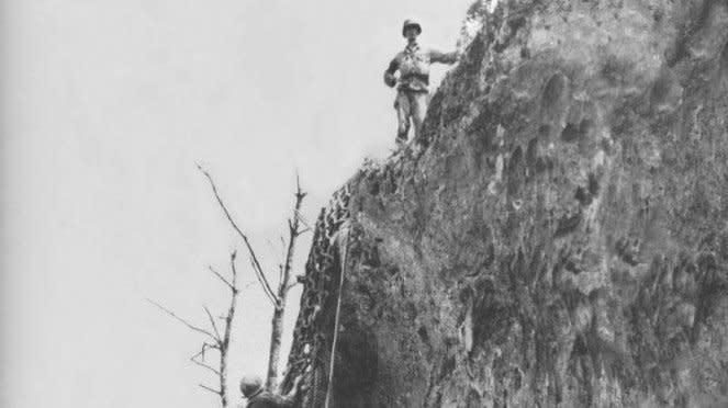 VIVA Militer: Bukit Gergaji (Hacksaw Ridge) di Pulau Okinawa