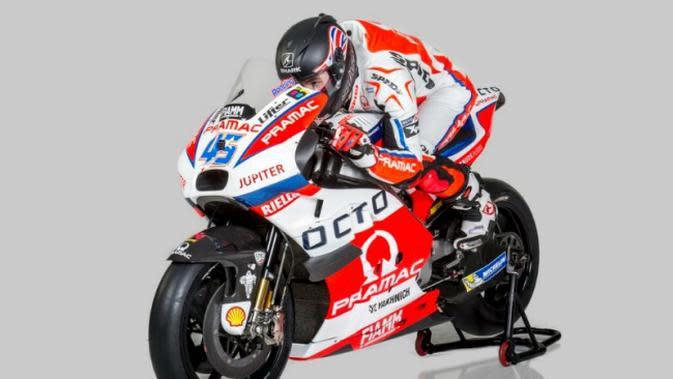 Scott Redding, berpose di atas motor baru Pramac Racing untuk MotoGP musim 2016. (Crash)