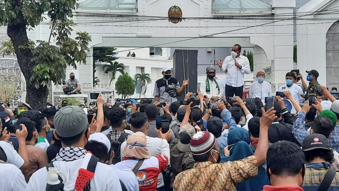 Disampaikan Edy, apabila setelah dipelajari ternyata menyengsarakan rakyat, dirinya akan menghadap Presiden Joko Widodo atau Jokowi.