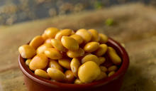 全球暖化讓小麥產量減少!新加坡新創公司用「未來作物」製作速食麵