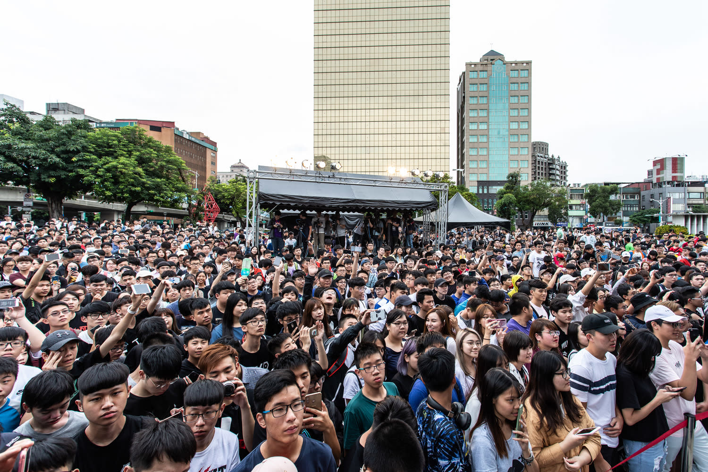 今日天公作美,TXO與實況主的超高人氣也吸引超過1500名玩家來到現場同樂