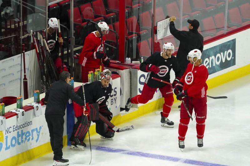 Players focus on scoring and fighting not protests as NHL returns