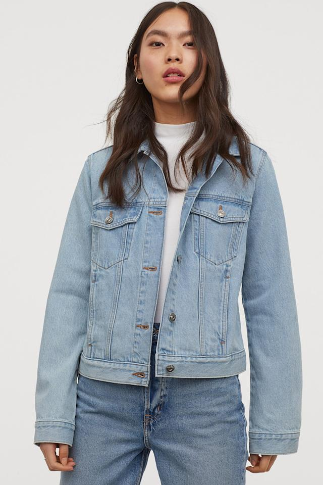 "<p>The ways to wear a <a href=""https://www.popsugar.com/buy/denim-jacket-551943?p_name=denim%20jacket&retailer=www2.hm.com&pid=551943&price=30&evar1=fab%3Aus&evar9=34097656&evar98=https%3A%2F%2Fwww.popsugar.com%2Ffashion%2Fphoto-gallery%2F34097656%2Fimage%2F34097663%2FJean-Jacket&list1=shopping%2Clevis%2Cstyle%20how%20to&prop13=mobile&pdata=1"" rel=""nofollow"" data-shoppable-link=""1"" target=""_blank"" class=""ga-track"" data-ga-category=""Related"" data-ga-label=""https://www2.hm.com/en_us/productpage.0829646005.html"" data-ga-action=""In-Line Links"">denim jacket</a> ($30) are endless - and you know what? It's never going out of style. If you don't have one, now's the time to act; just look for one with a classic wash (read: no bleached or acid-washed finishes) without embellishments or studs. It's those kinds of extras that will go out, but a clean-cut jean jacket never will.</p>"
