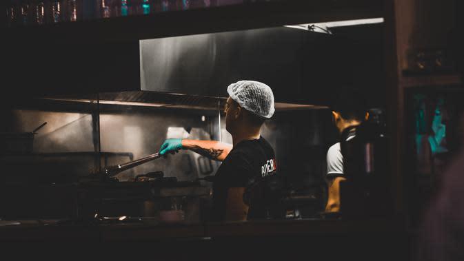 Ilustrasi restoran. (dok. pexels.com/Emre Kuzu)