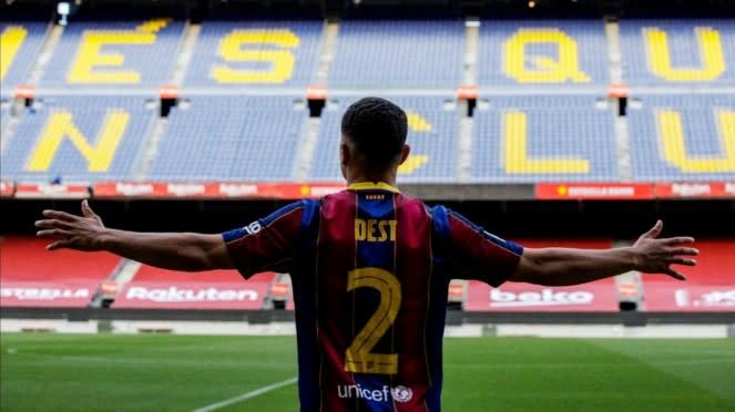 Bek baru Barcelona, Sergino Dest.