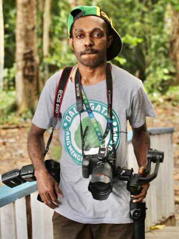 Paskalis Pigai, putra Papua yang memiliki bakat foto dan videografi.