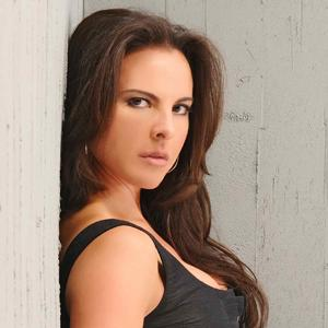 Telenovela Star Kate Del Castillo Talks About Her 'Reina' Role [Exclusive Video]