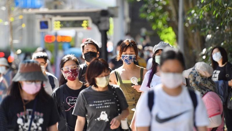 你認為是否要取消戶外戴口罩規定?