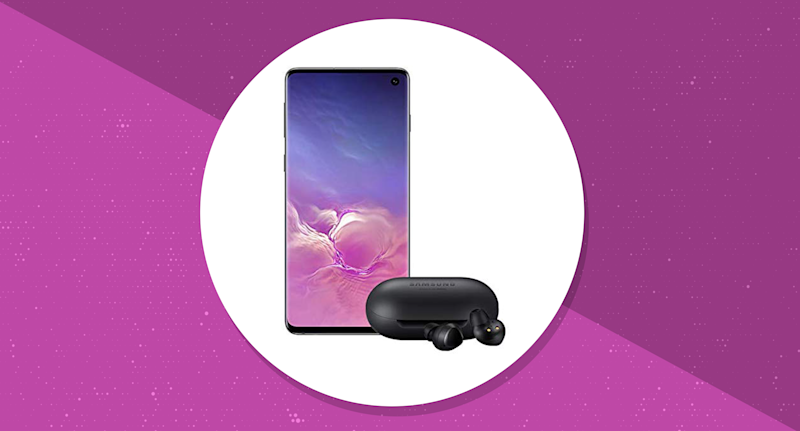 Get a pair of Samsung Galaxy Buds with purchase. (Photo: Amazon/Yahoo Lifestyle)