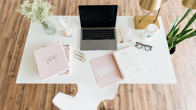 Kerja di rumah lebih semangat dan produktif dengan 4 warna berikut ini. (Foto: Unsplash)