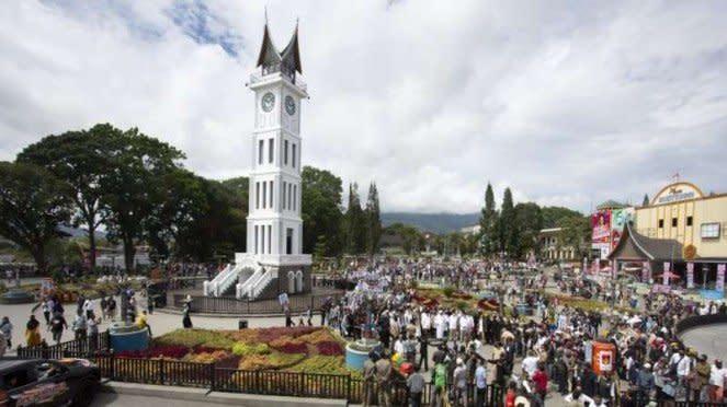 Deklarasi calon wali kota Bukittinggi yang didukung Gerindra di Jam Gadang