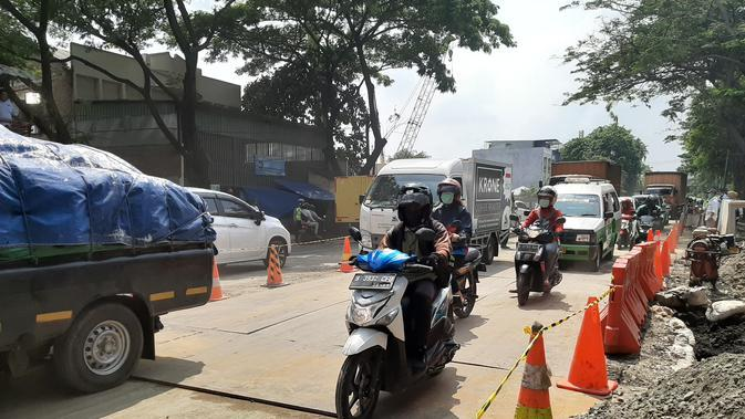 Jalan Ambles di Daan Mogot Sudah Bisa Dilewati Kendaraan