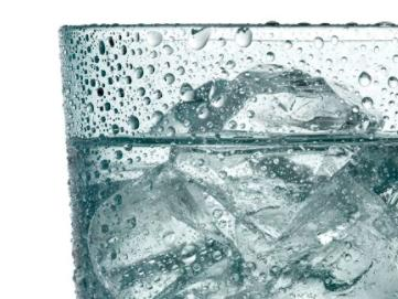 遇到「熱傷害」千萬不要喝冰水