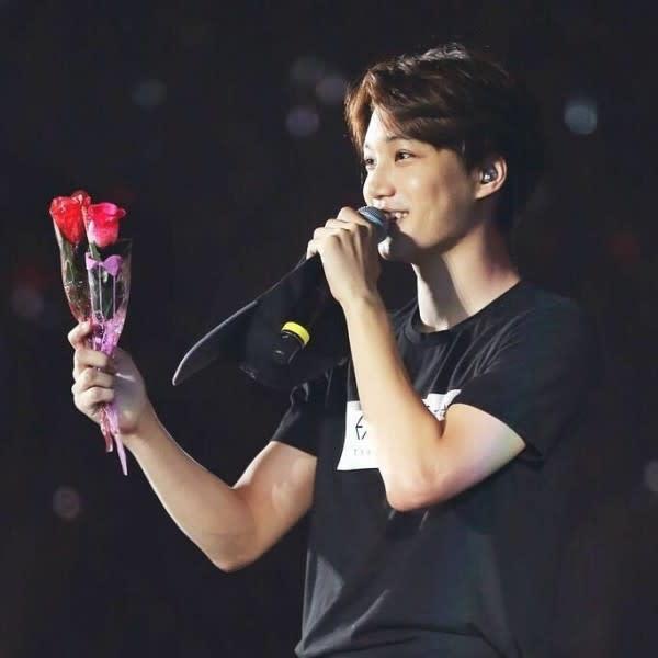 Genap 25 Tahun, 15 Gaya Kai EXO yang Bikin Terlihat Makin Gagah!