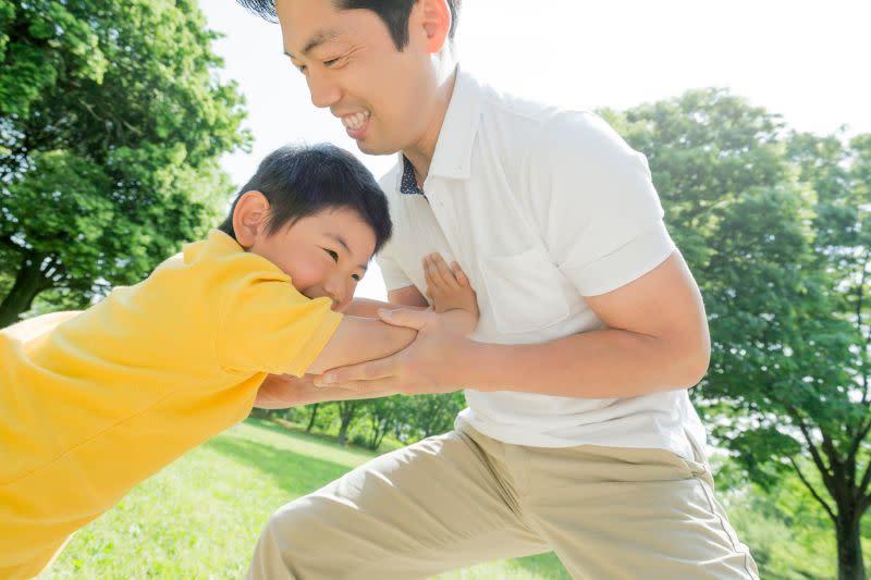 ▲一年一度父親節,除了慶祝活動外,不要忘記檢視爸爸們的保障,爸爸們在顧全家溫飽同時,也不要忘了自己辛苦一輩子後的退休規畫。(圖/全球人壽提供)