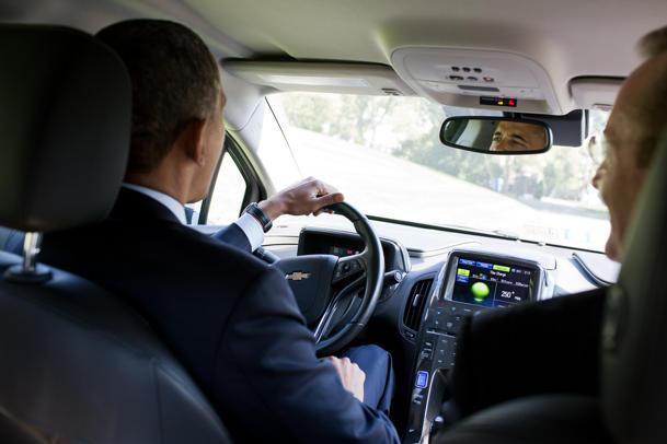 President Obama wheels a Chevy Volt: Flickr photo of the day