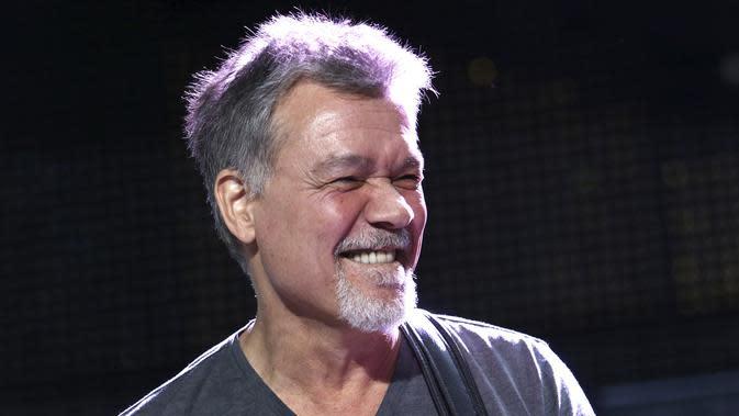 Eddie Van Halen tampil di panggung pada 13 Agustus 2015 di New York ( Greg Allen/Invision/AP, File)