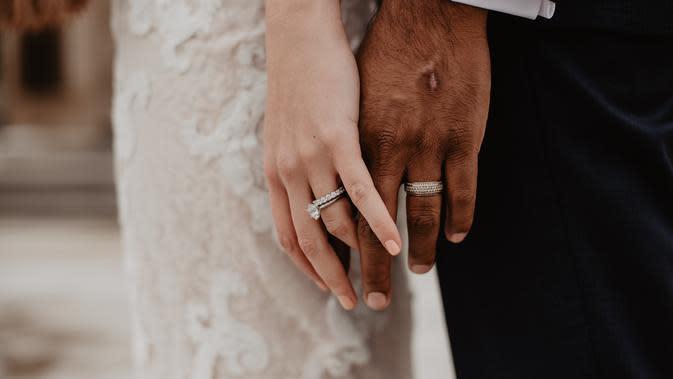 ilustrasi cincin pernikahan/Photo by Emma Bauso from Pexels