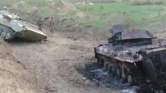 VIVA Militer: Tank militer Armenia hancur diserang pasukan Azerbaijan