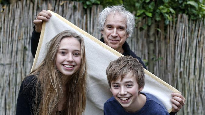 Frans Hofmeester dan anak-anaknya. (sumber: indeebuurt.id)