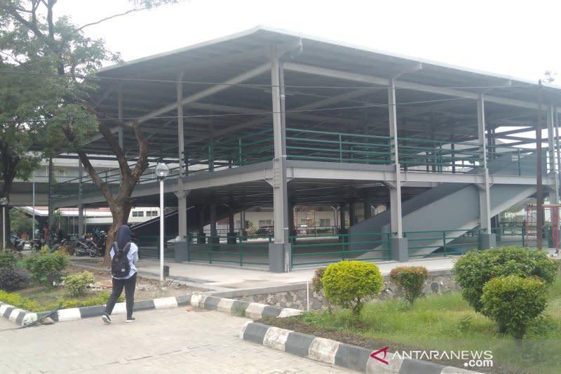 Bandara Adi Soemarmo tambah kapasitas parkir