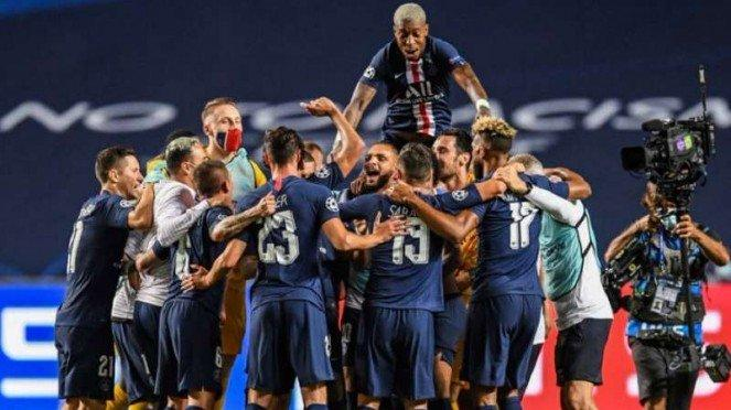 Pemain Paris Saint-Germain merayakan keberhasilan lolos ke final Liga Champions.