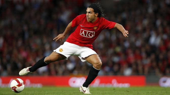 Carlos Tevez - Bergabung pada rentang 2007 hingga 2009, Tevez cukup banyak tampil bersama skuat Setan Merah. Penyerang asal Argentina mencatatkan 99 penampilan dan menyumbang 34 gol. (AFP/Paul Ellis)
