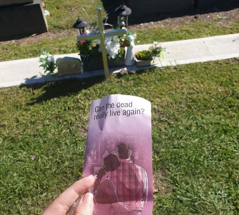 Woman finds Jehovah's Witnesses pamphlets at brother's grave