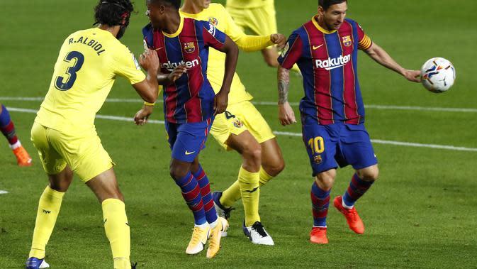 FC Barcelona dan Villareal FC di stadion Camp Nou di Barcelona, Spanyol, Minggu, 27 September 2020. (Foto AP / Joan Monfort)