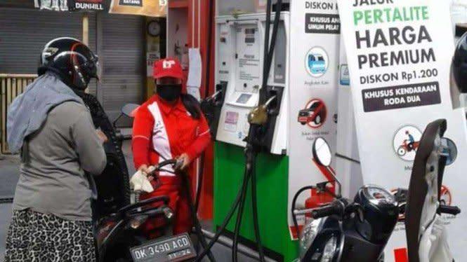 Harga Pertalite Turun Jadi Rp6.450 per Liter, Apa Kata Warga?