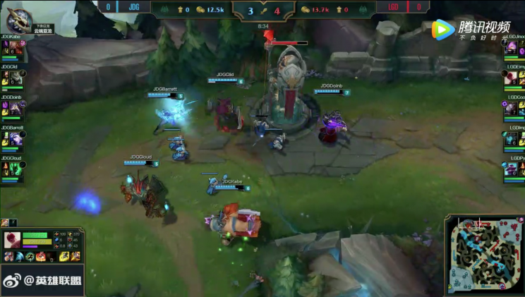 JD couldn't build up the wave well enough to take the turret on the initial push, so they lost first brick (lolesports)