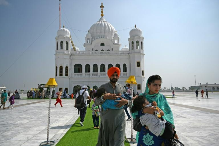 Virus fears stop Indian Sikhs visiting Pakistan site for festival