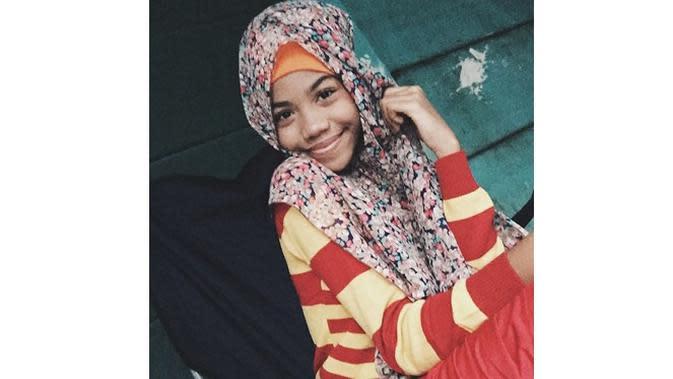 5 Potret Zsa Zsa 'Si Cemong' Pakai Hijab, Dipuji Netizen Cantik (sumber: Instagram.com/zsazsautari)