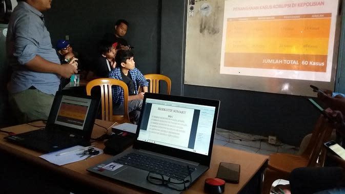 Pegiat anti korupsi soroti perlakuan istimewa terhadap istri Wabup Bone dalam kasus dugaan korupsi proyek PAUD di Kabupaten Bone (Liputan6.com/ Eka Hakim)