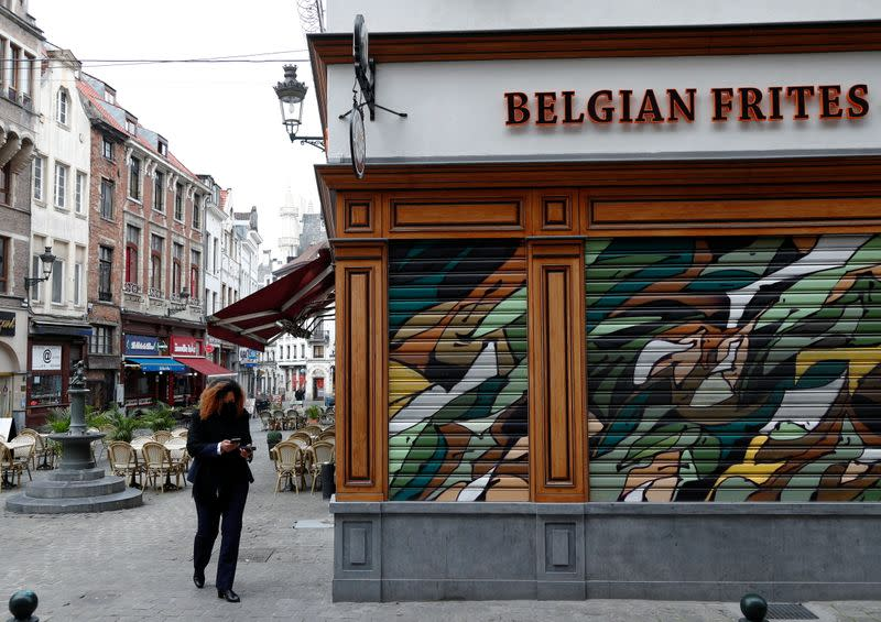 Belgium to close all bars and restaurants for a month, imposes night curfew
