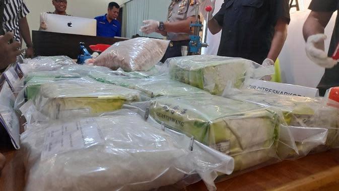 Kebangetan, Polisi di Rokan Hilir Edarkan Narkoba dan Rajin Merekap Transaksinya